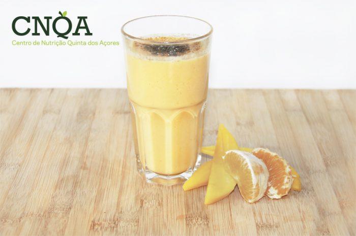 Receita saudável de batido de fruta com iogurte