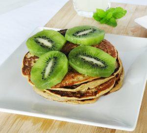 Brunch saudável e rápido: Panquecas de aveia e banana