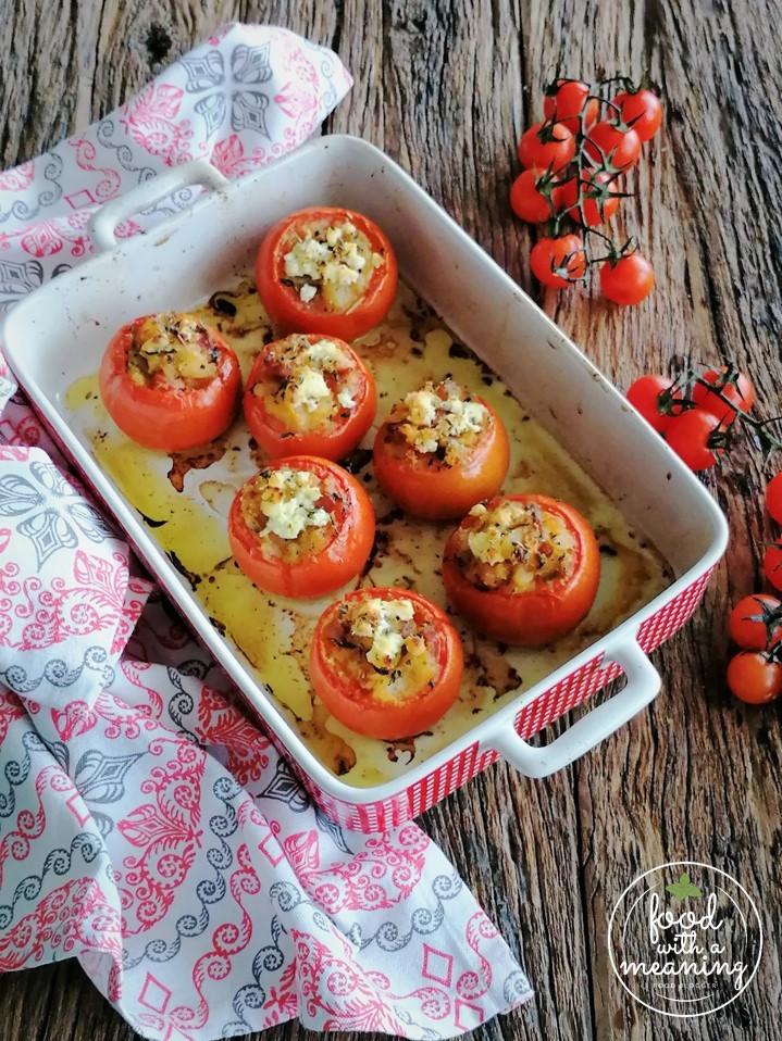 Tomates recheados com batata, cogumelos, presunto e requeijão quinta dos Açores